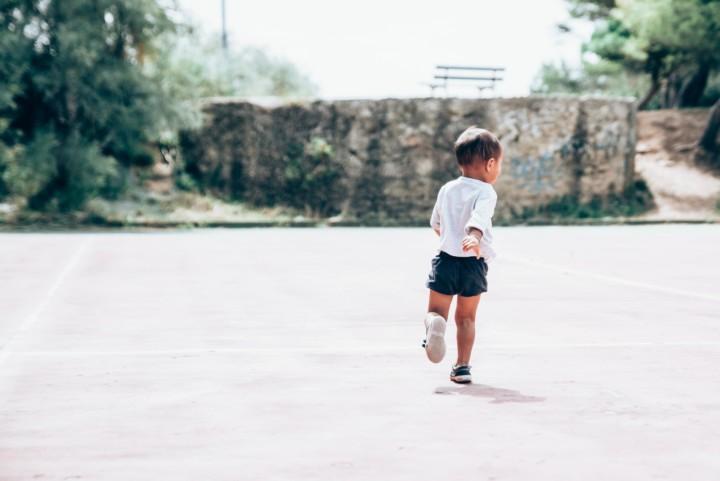 Toddler with developmental coordination disorder running